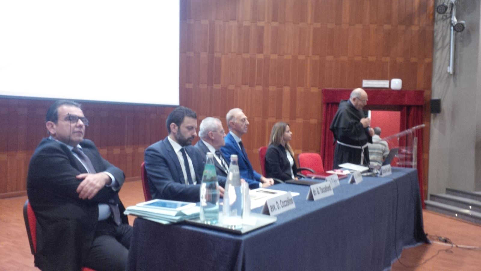 P. Antonio presenta l'On. Gabriele Toccafondi, sottosegretario al MIUR